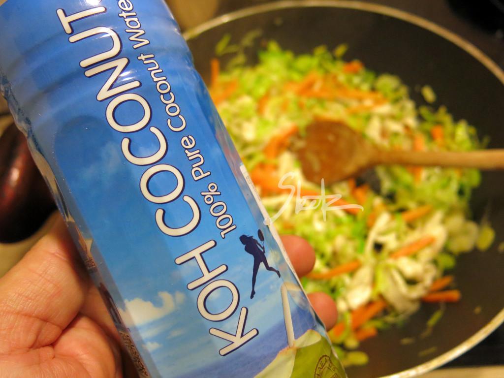 KOH-COCONUT-WATER-rizevi-rezanci-LOGO
