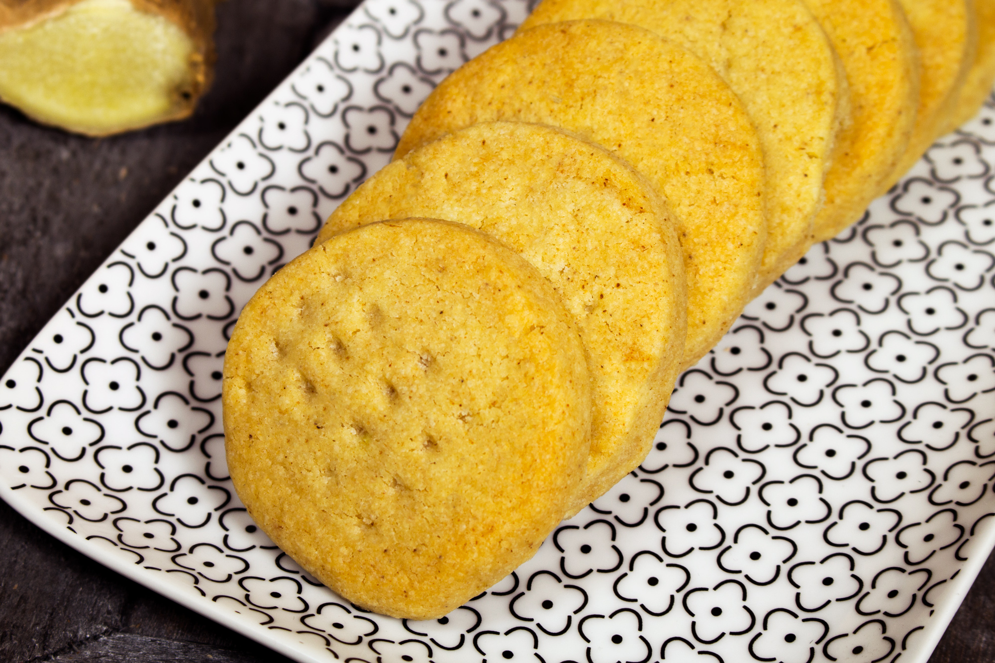 Masleni piškoti z ingverjem