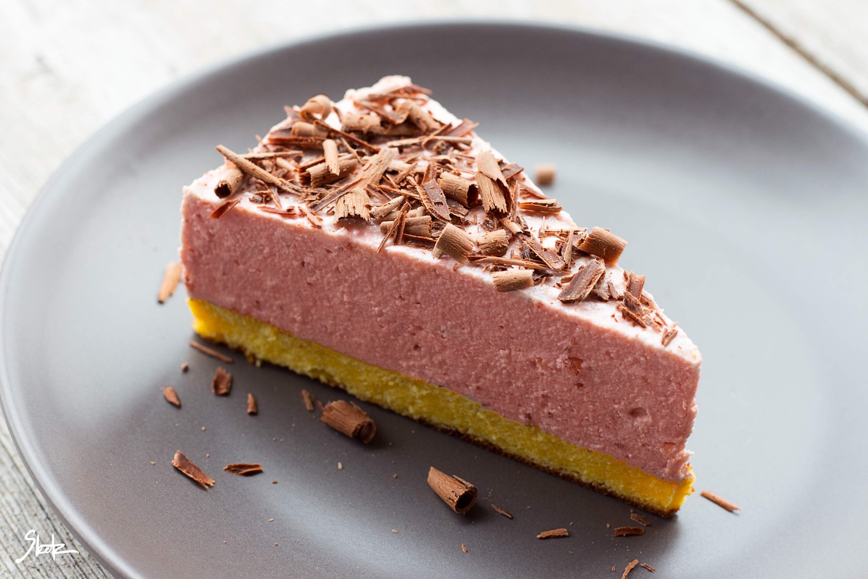 Jagodna skutina torta brez moke in sladkorja (LCHF)