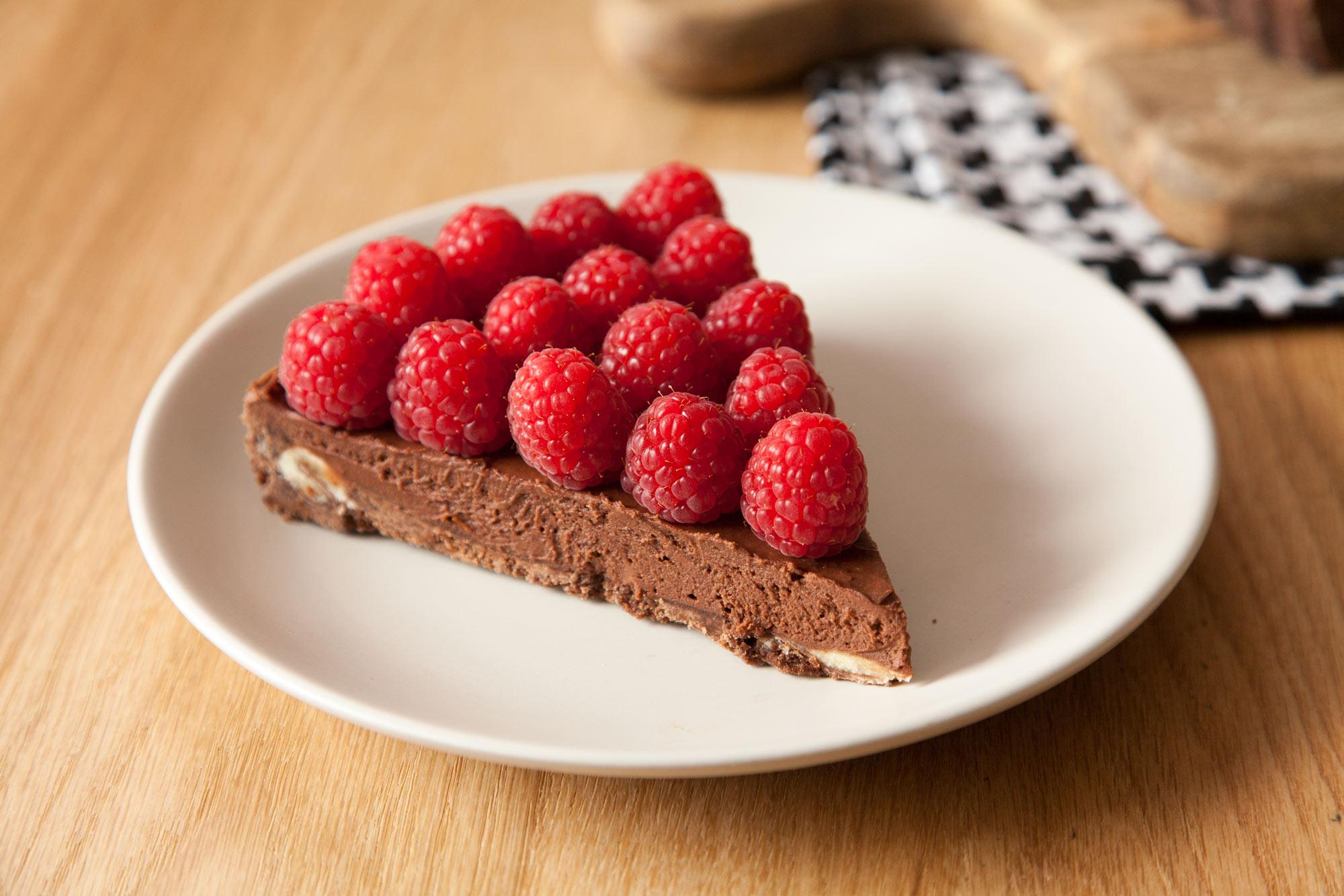 Čokoladna cheesecake pita z malinami