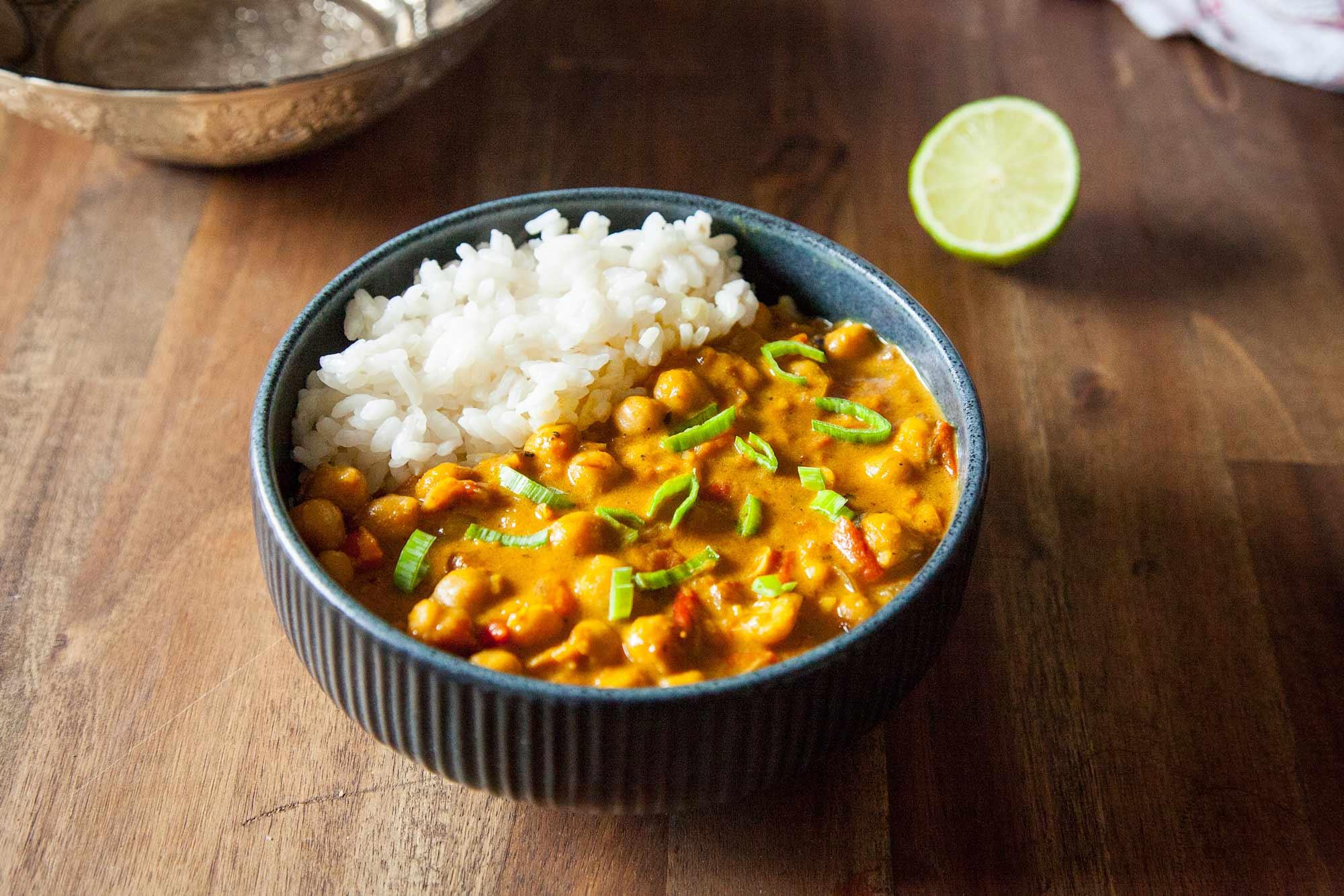 Veganski curry s čičeriko