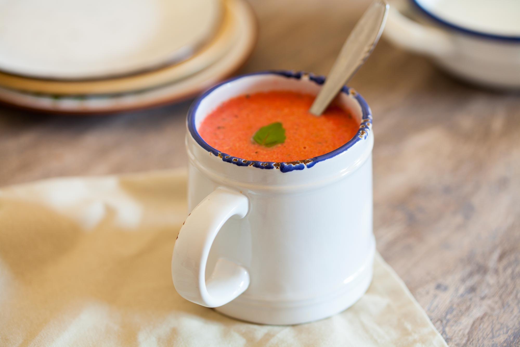Kremna pesina juha s korenčkom in timijanom