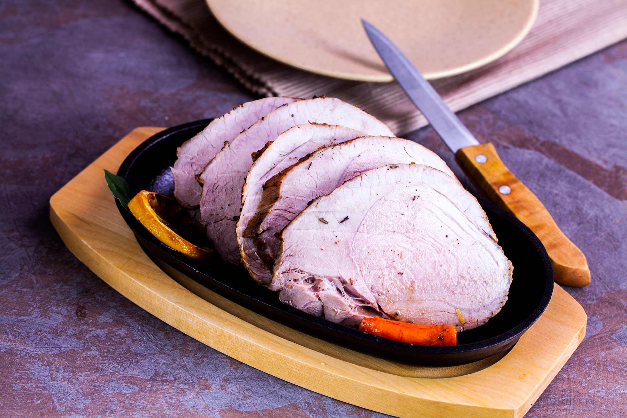 Svinjska pečenka z rožmarinom