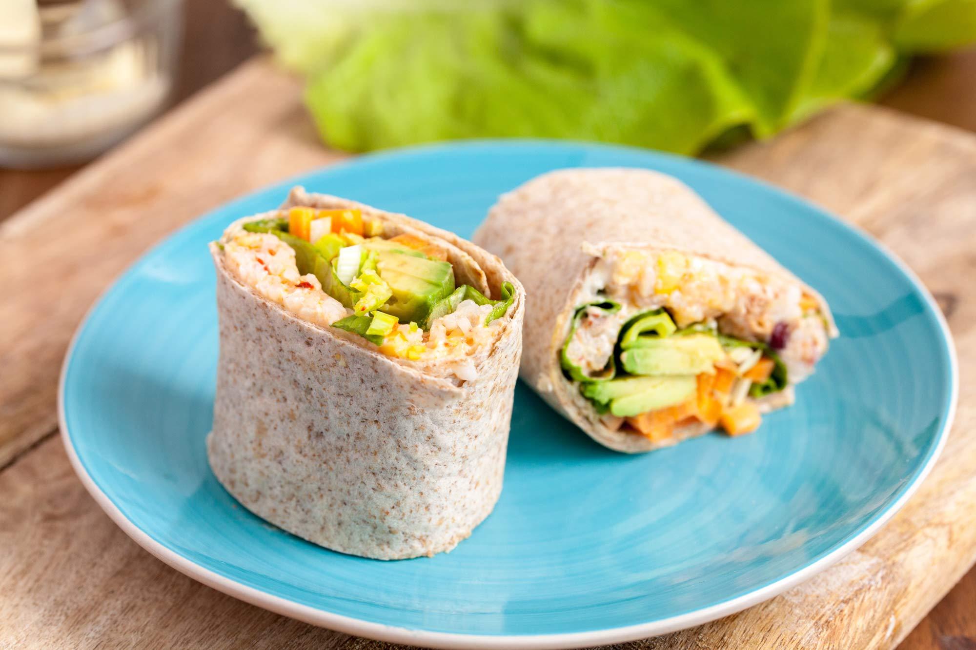 Zavitek z rižem, tuno in zelenjavo