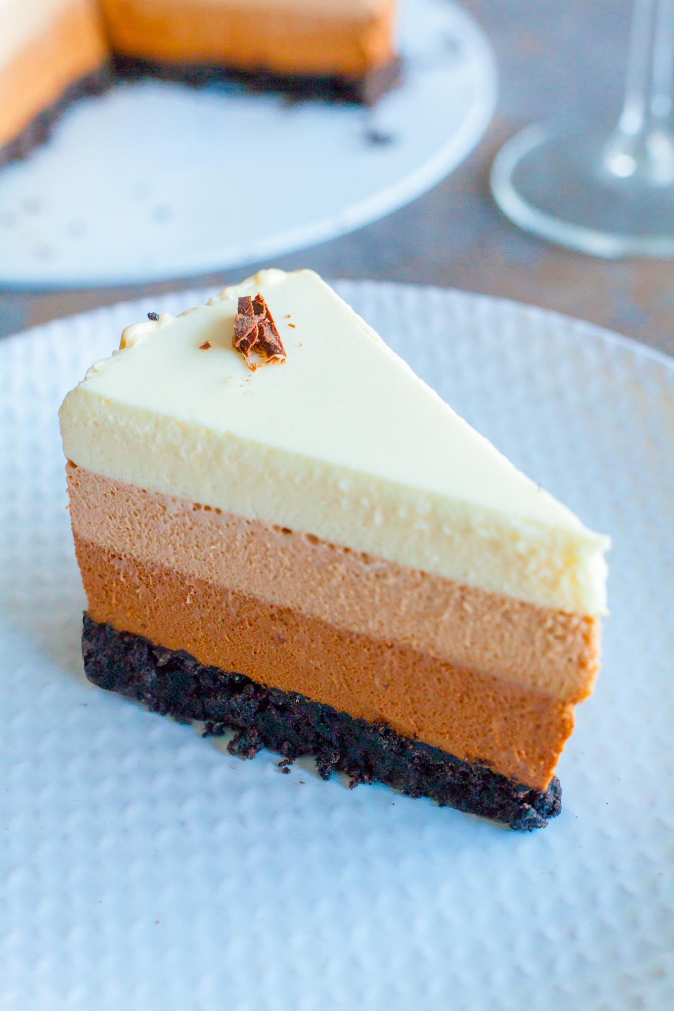 Trojna čokoladna mousse torta brez peke
