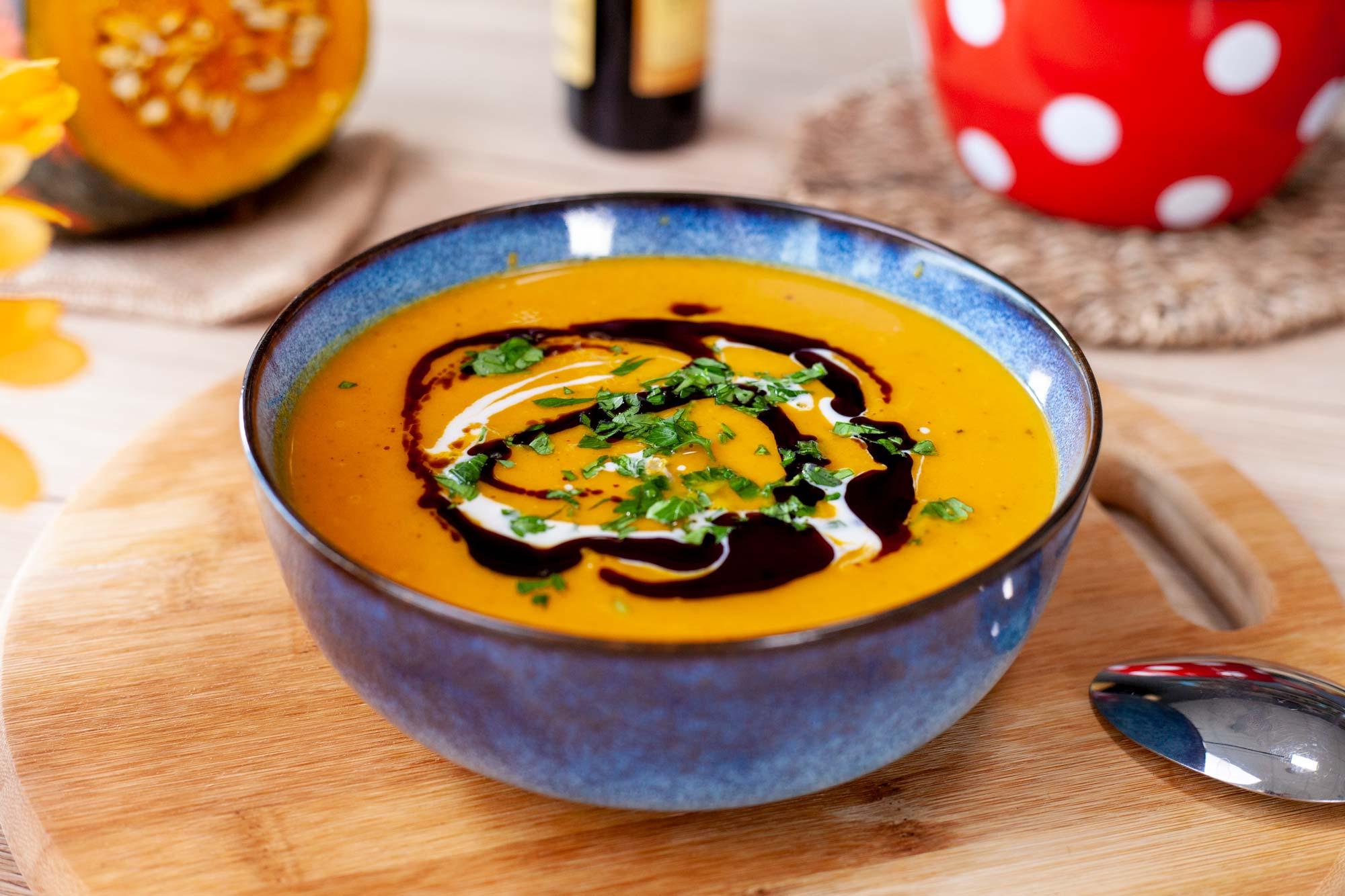 Domača bučna juha