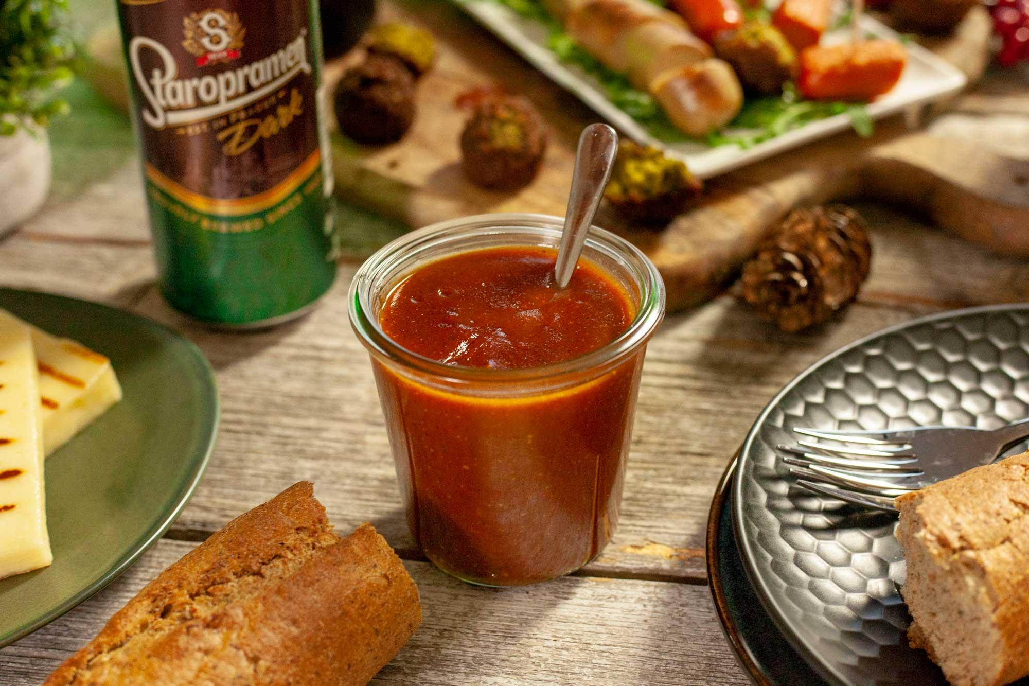 Domača BBQ omaka s temnim pivom