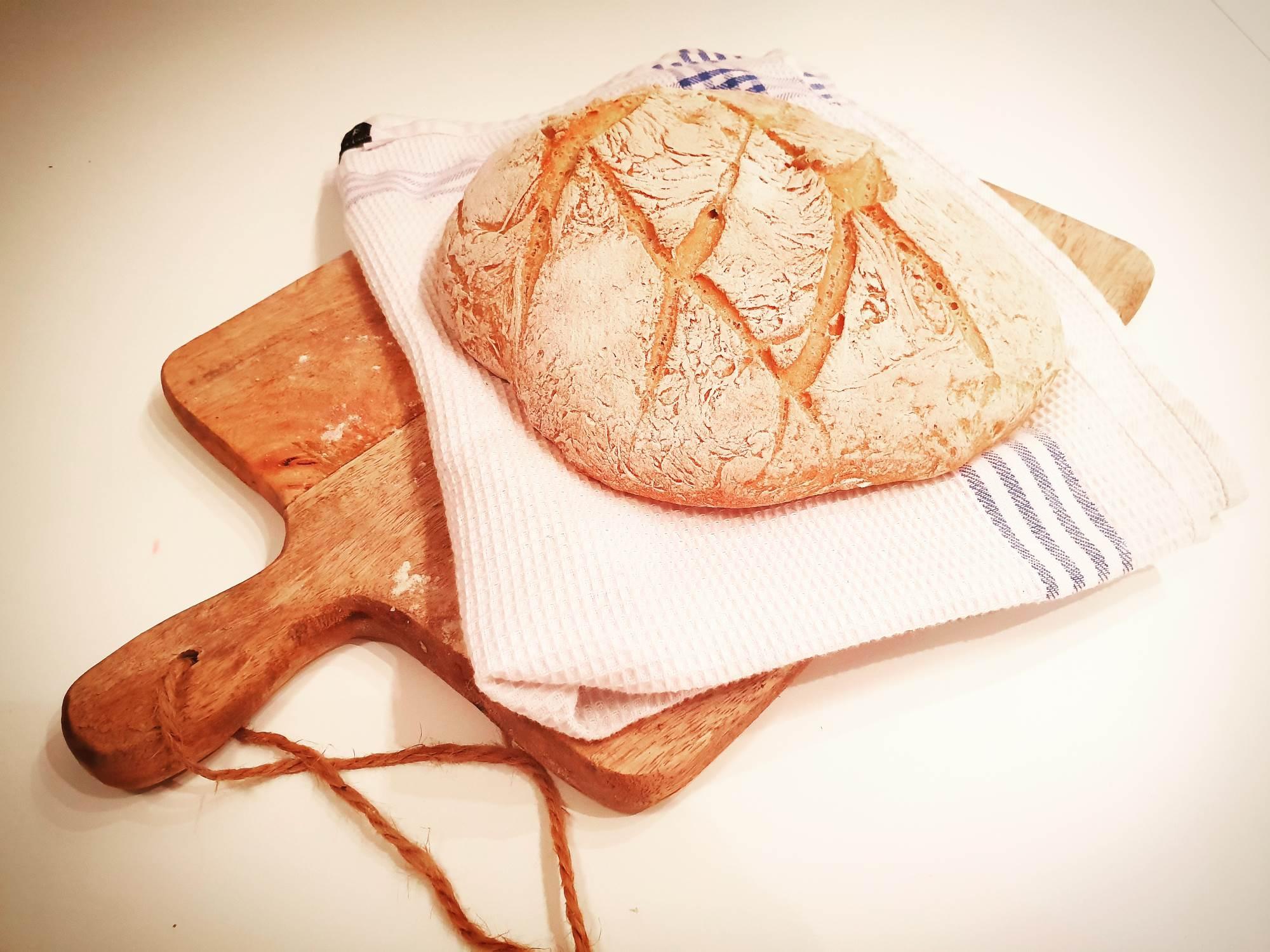 Domači beli kruh