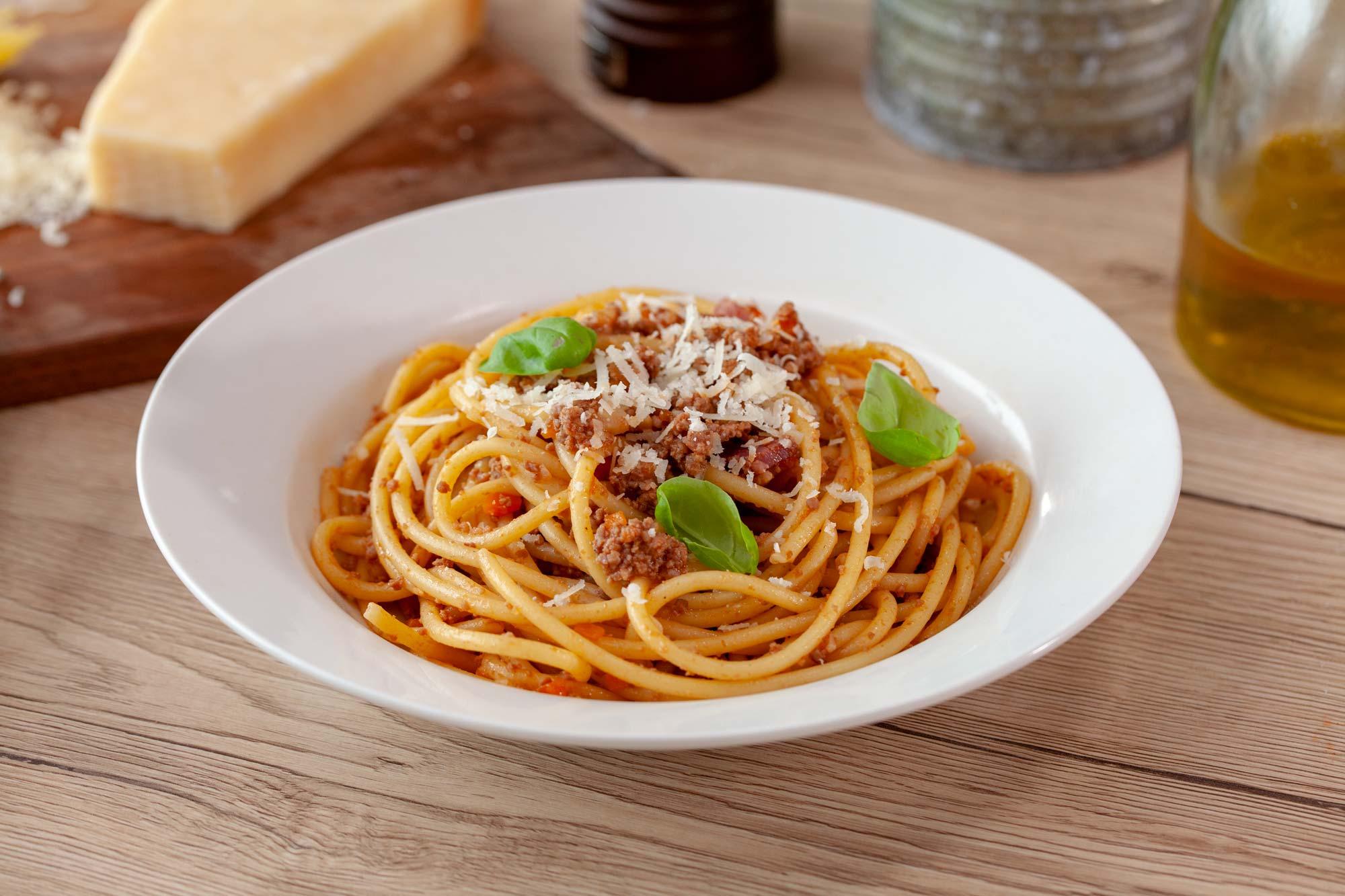 Domača bolonjska omaka