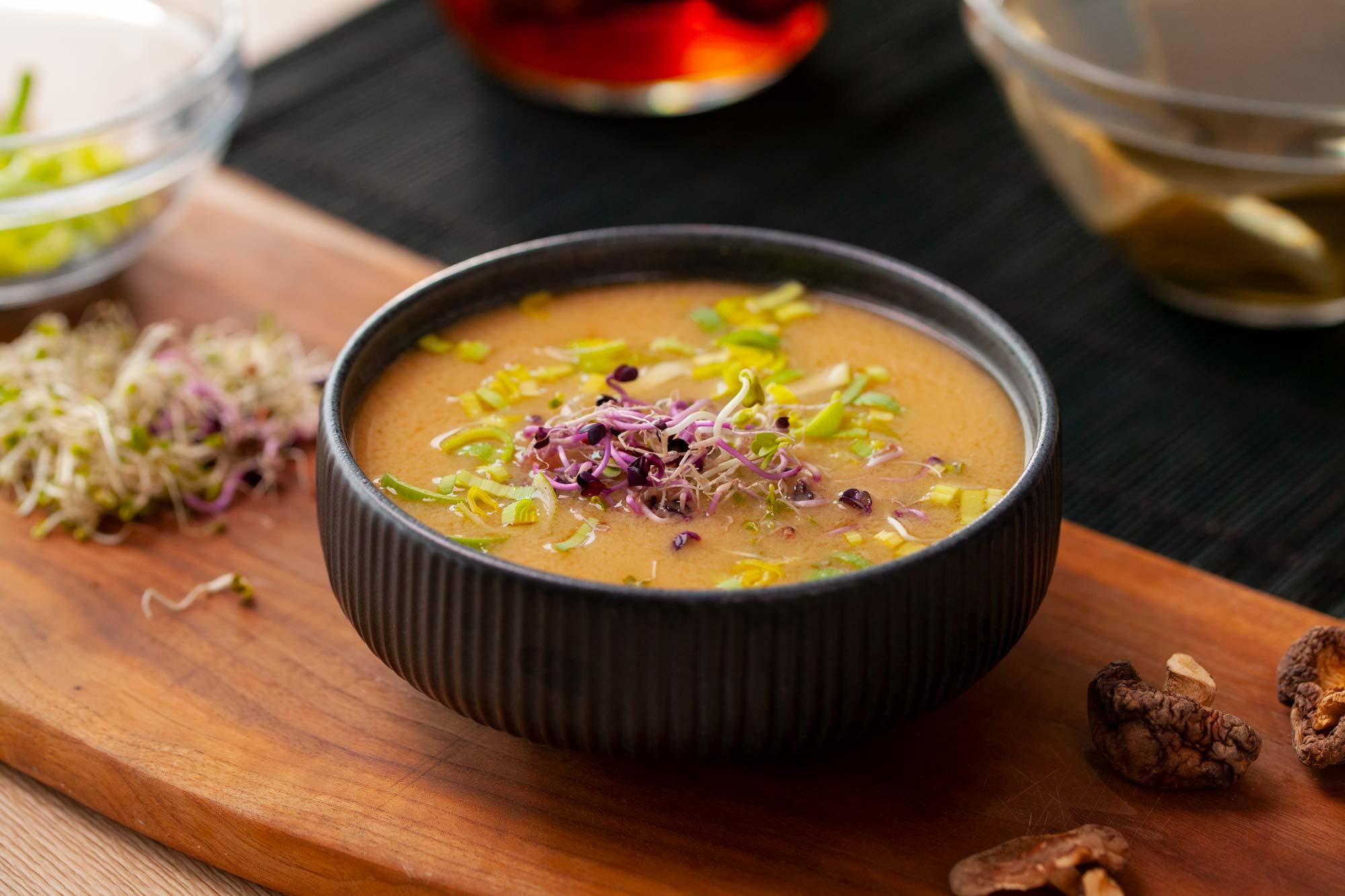 Preprosta miso juha