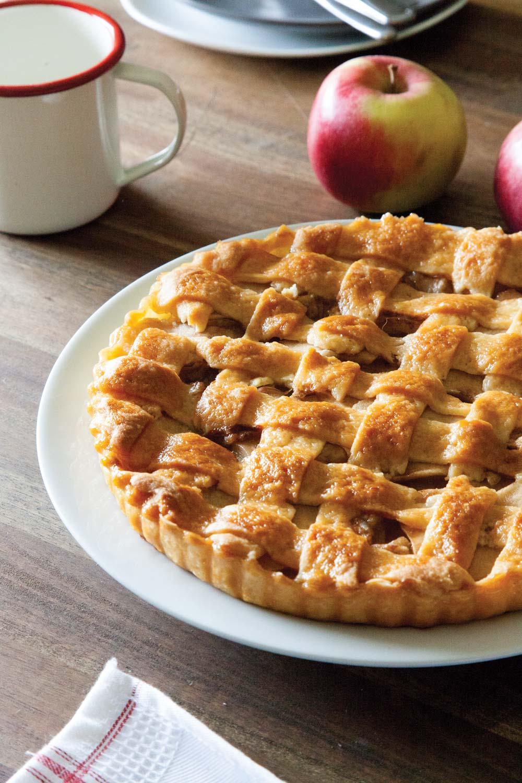 Jabolčna pita s slano karamelo