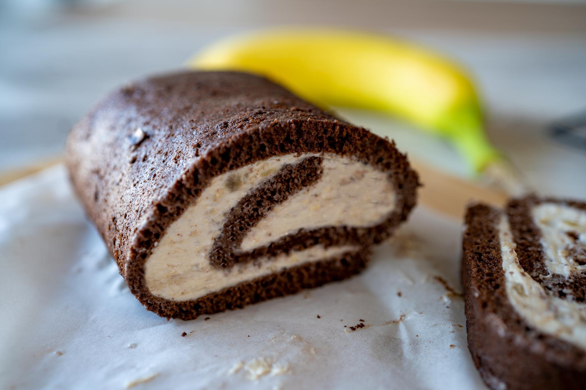 Čokoladna rolada z bananino kremo