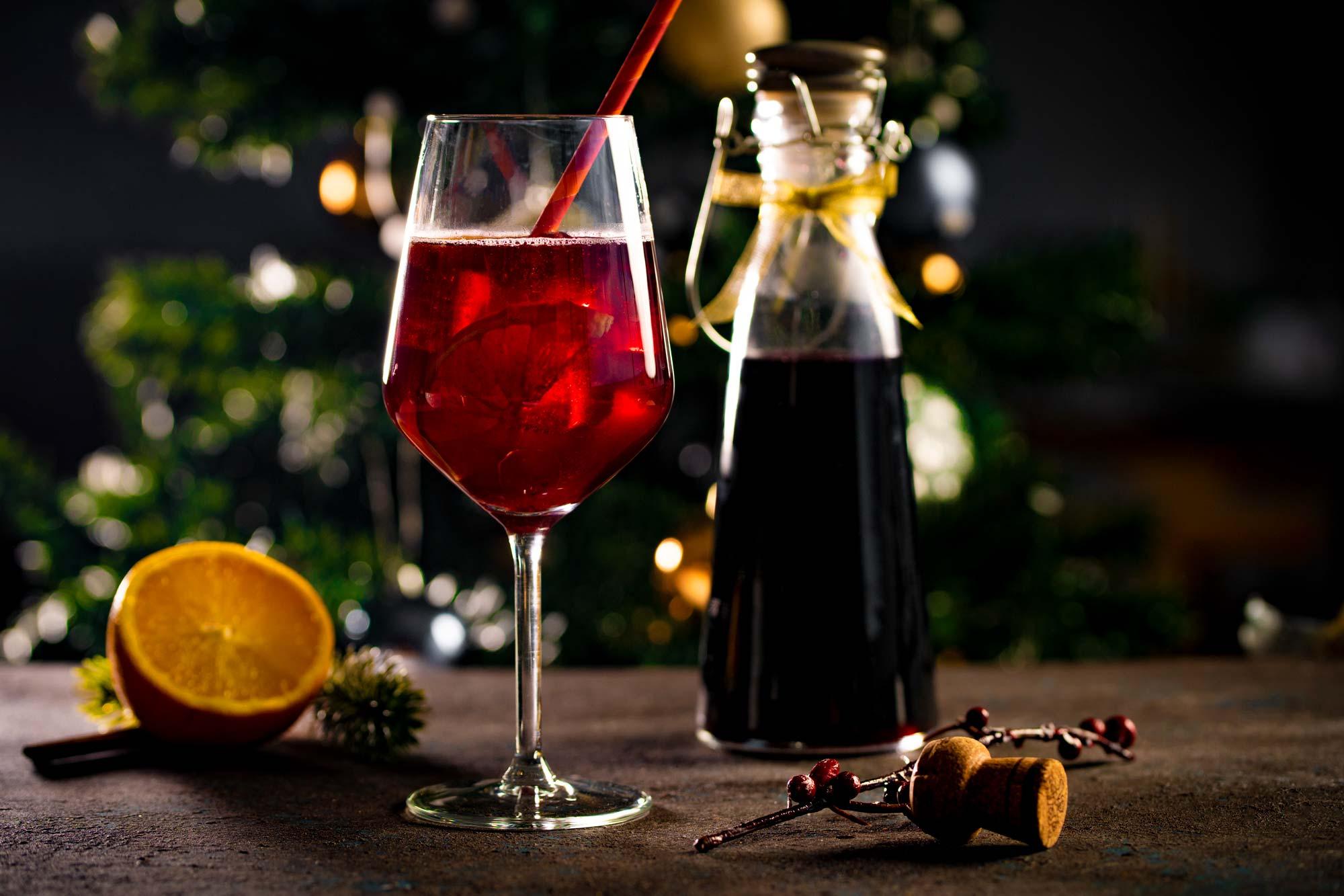 Koktejl s kuhanim vinom