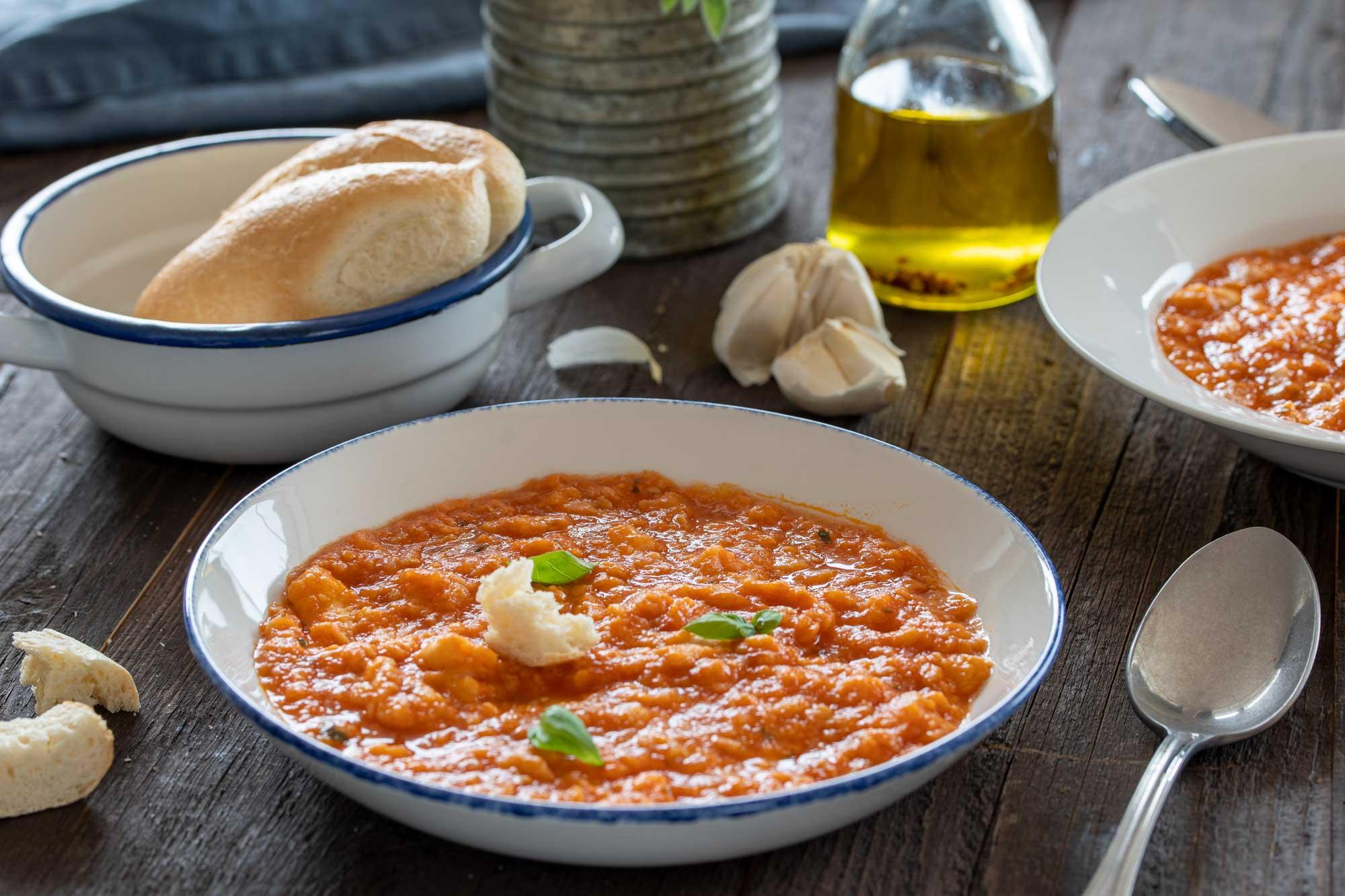 Paradižnikova juha s kruhom ali Pappa al Pomodoro