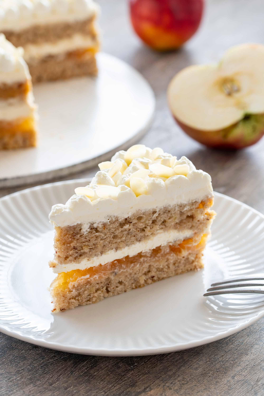 Torta z jabolki
