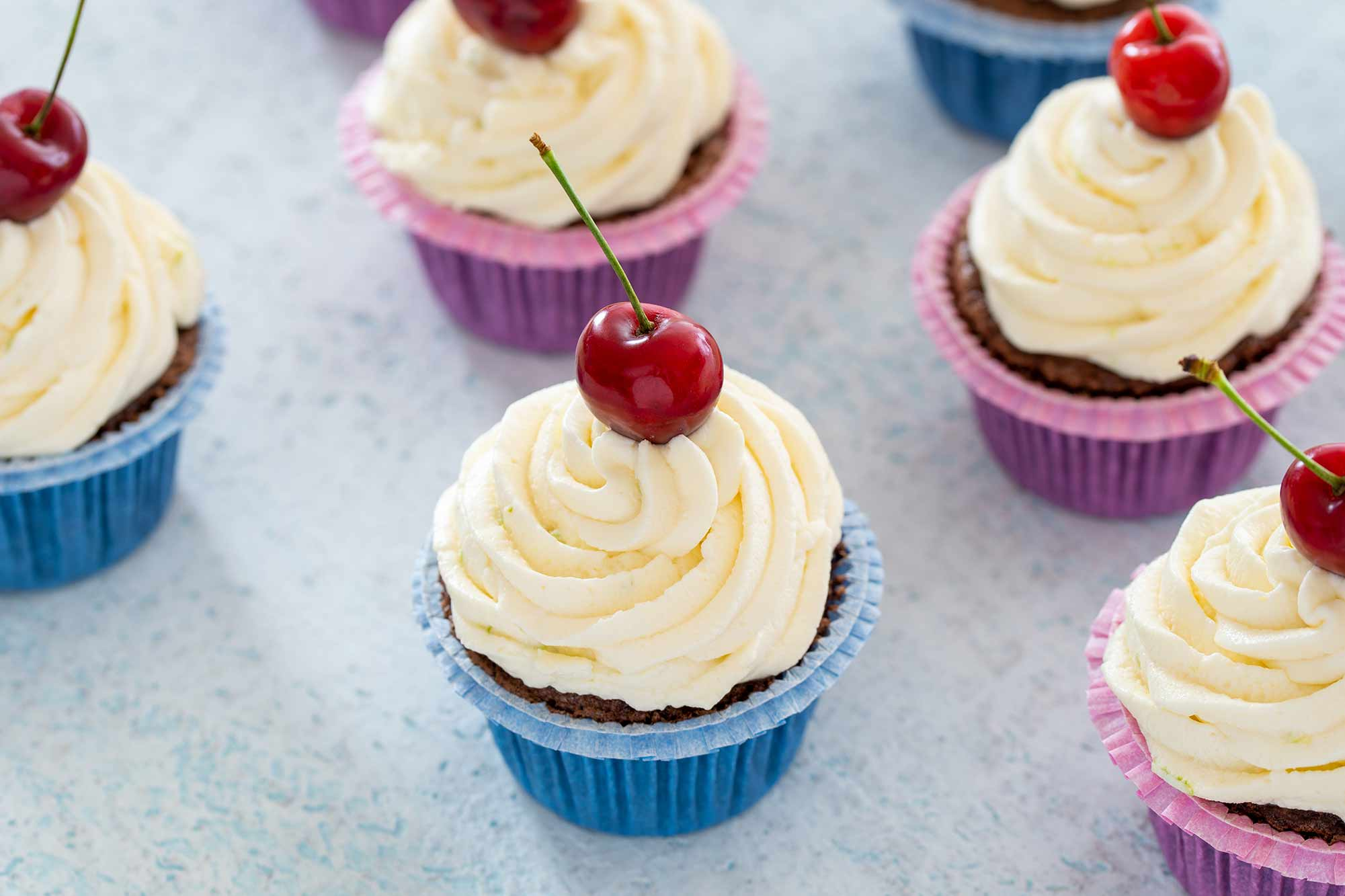 Riževi cupcakesi s češnjami